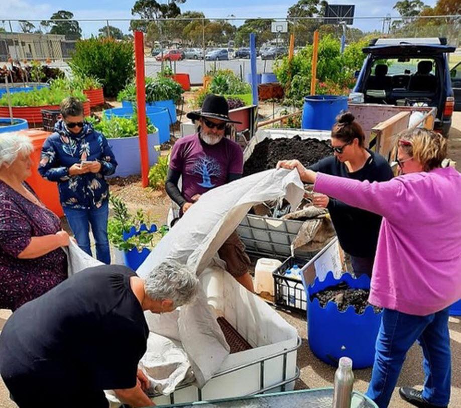 Wicking Garden Bed Workshop at Aldinga Arts EcoVillage   SUN 21 MAR